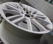 lakierowanie-felg-samochodowych-Kleosin